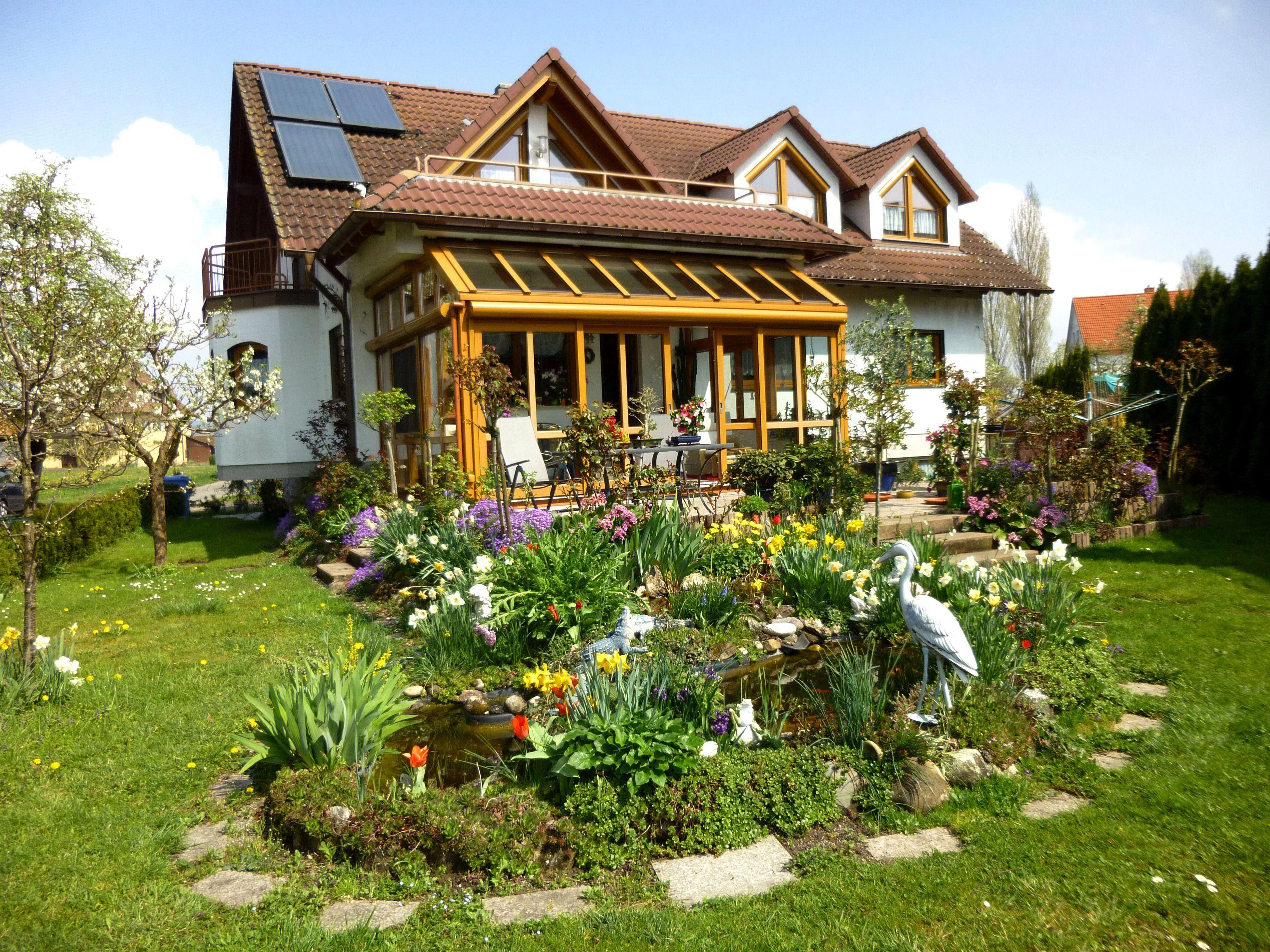 Haus Glas im Frühjahr